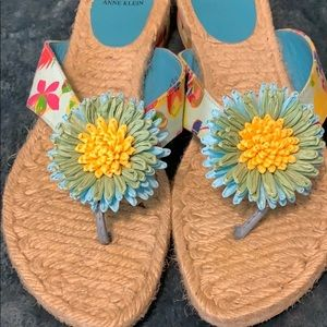 Anne Klein flower sandals size 10
